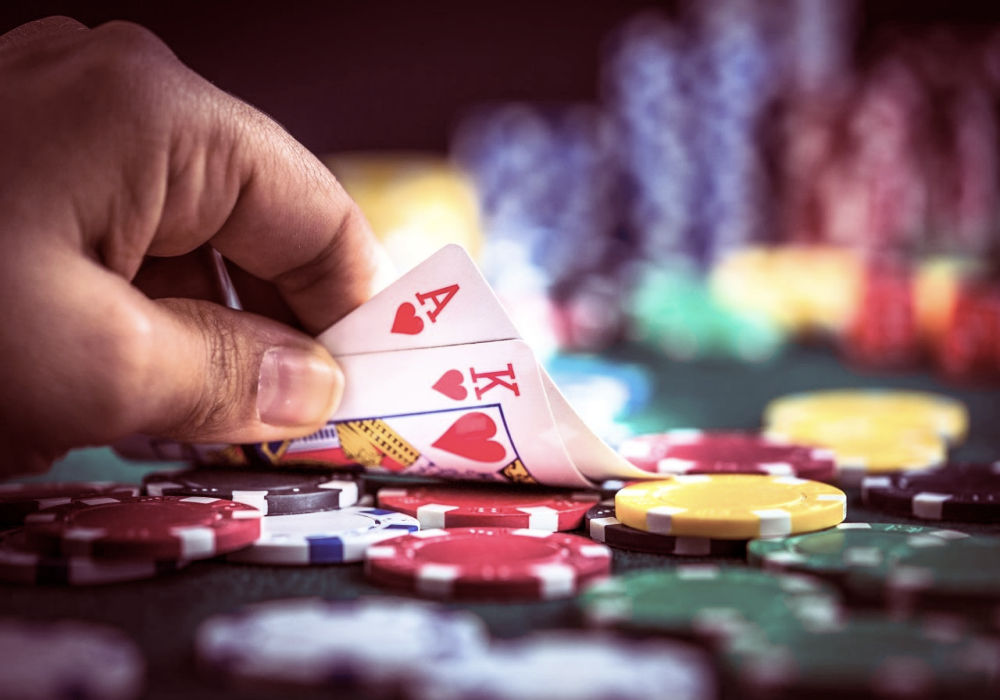 play the game Texas Hold'em